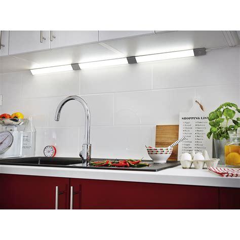 reglette led cuisine réglette led 1 x 6w led intégrée leroy merlin