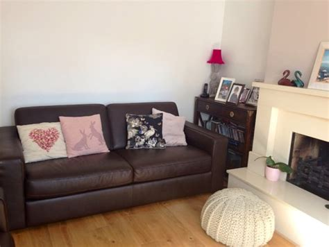 colours that go with brown sofa not sure what colour cushions will suit my brown leather sofas