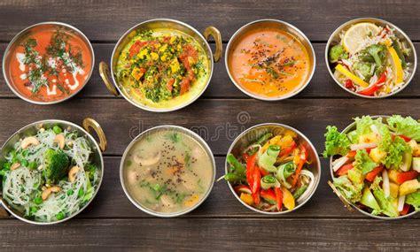 cuisine vegetarienne indienne vegan et plats épicés chauds de cuisine indienne