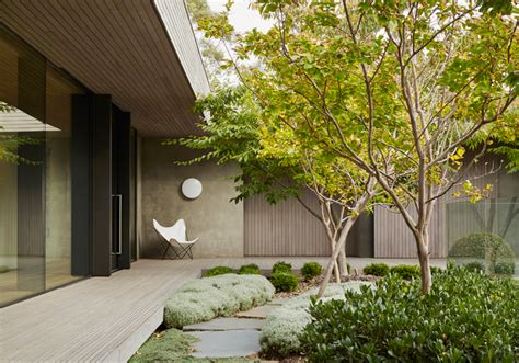 inarc links courtyard house  visual links  golf  landscape