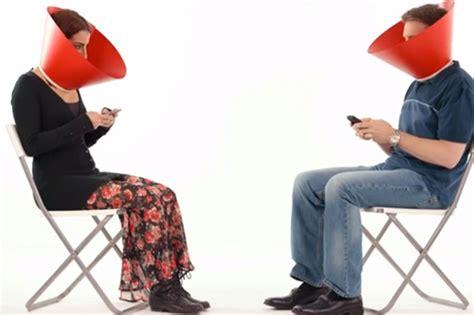 si鑒e social coca cola dipendenza dai social media attenzione a come se ne parla in italia wired
