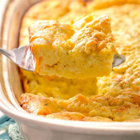 cooking cottage cheese breakfast casserole with eggs and cottage cheese