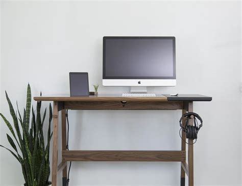 Work Desk by Work Desks 187 Gadget Flow