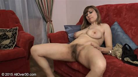 Mature Lady Shows Her Hairy Cunt Eporner