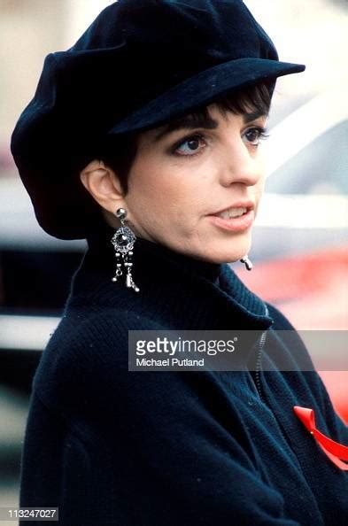The queen of broadway, liza minnelli is on her way to wow her fans through a grand stage performance very soon. Liza Minelli, portrait, at the Freddie Mercury Tribute ...