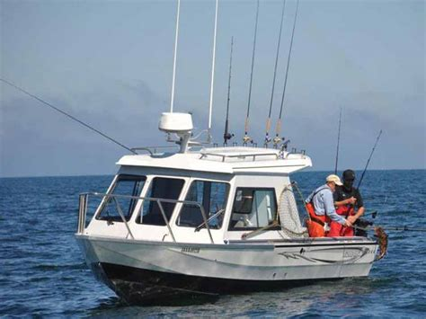 Different Types Of Bass Fishing Boats by What Are The Different Types Of New Boats For Sale