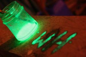 How to Make Glo... Glow In The Dark Paint