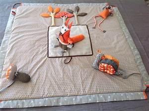 Spieldecke Mit Bogen : tapis d 39 veil sensoriel transformable en sac de rangement jeux peluches doudous par la ~ Frokenaadalensverden.com Haus und Dekorationen