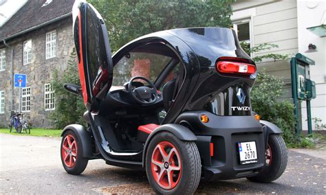 Small Electric Cars by Sweden Puts Its Money On Small Electric Vehicles
