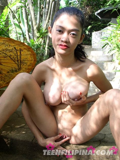 Sexy Alma Chua Strips And Goes Topless Outside In The