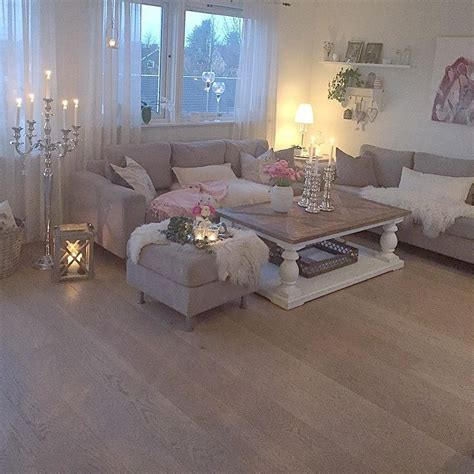 3 Modern Apartments With Chic Rooms For The by Best 10 Shabby Chic Ls Ideas On Flower