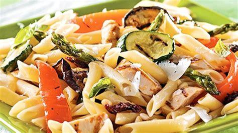 salade de p 226 tes primavera au poulet grill 233