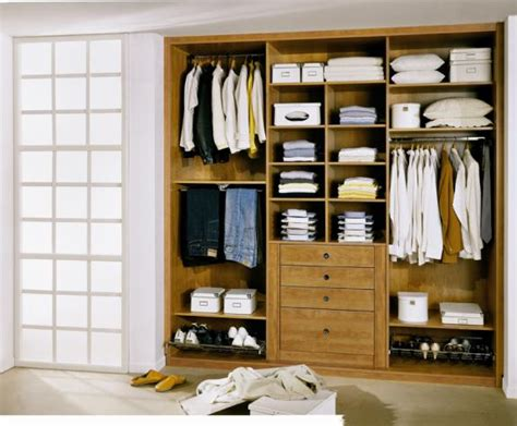Aménagement Placard Chambre Adulte by Attrayant Chambres A Coucher Adultes 13 Amenagement