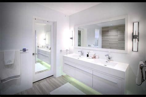 whats hot  bathroom remodelinga     trends