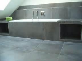 bad fliesen wei und grau hochwertige baustoffe fliesen im bad wie hoch