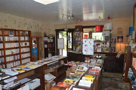 la dame blanche 224 port louis caf 233 librairie en bretagne unidivers