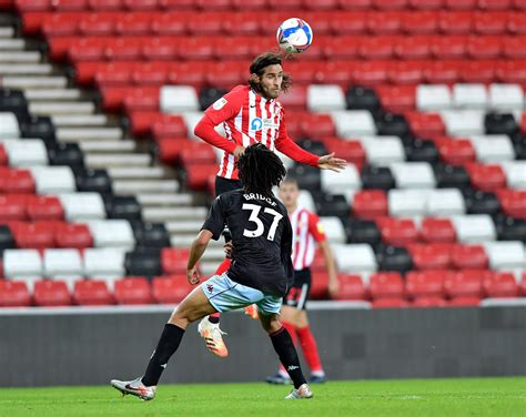 Phil Parkinson gives fitness update on Sunderland trio ...