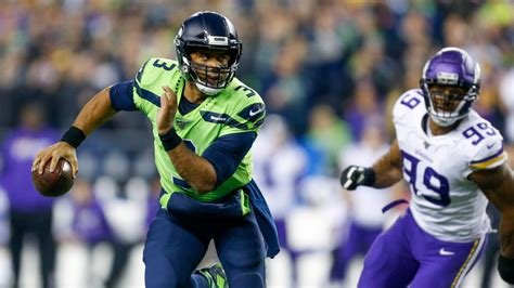seahawks  vikings seattle defeats minnesota moves atop