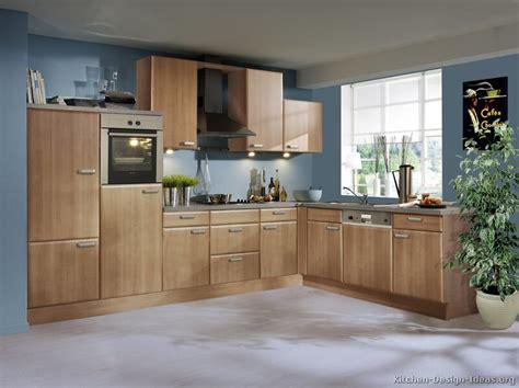 blue kitchen oak cabinets blue kitchen walls with oak cabinets 4828