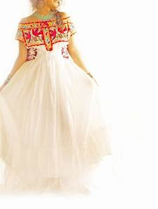 Handmade mexican embroidered dresses and vintage treasures for Embroidered mexican wedding dress