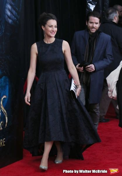 photo coverage      woods red carpet fashions
