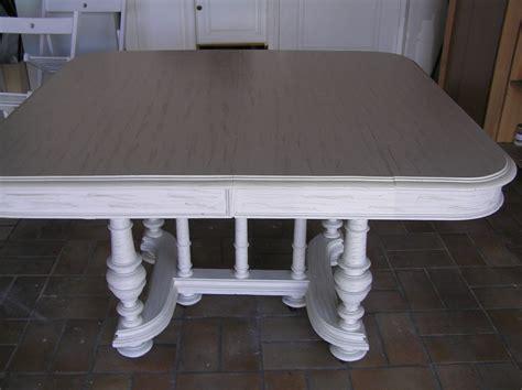 vernis table cuisine repeindre relookage meubles et fauteuils de style dans le 44