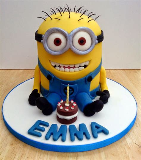 Your latest creations go beyond words in the dessert world. How to Make a Minion Birthday Cake with Impressive Cream | How to Makes