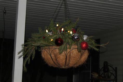 turn summer hanging baskets  great christmas