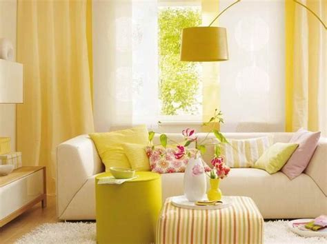 Yellow Living Room Wallpaper by Rooms With Wallpaper Yellow Wallpaper Decoration For
