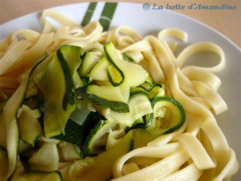 cuisine courgette tagliatelles sauce tomate et courgettes la boîte d 39 amandine