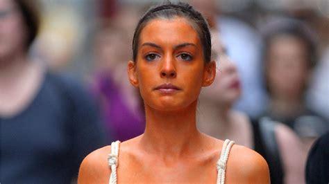 apply  tanner  streaks  blotches glamour