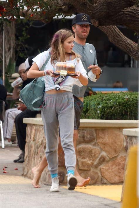 gwyneth paltrow  brad falchuk vacation  capri