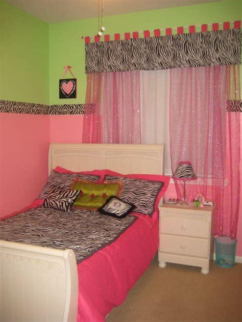 pink green  zebra bedroom    daughters