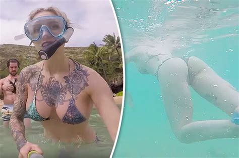 Womans Snorkeling Holiday Has Viewers Gripped Can You Tell Why Daily Star