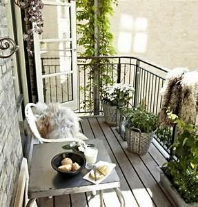 Table Basse Balcon : 1001 conseils pratiques pour am nager un petit balcon ~ Teatrodelosmanantiales.com Idées de Décoration