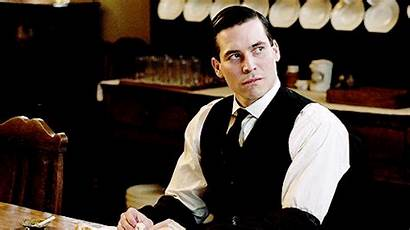 Downton Abbey Thomas Gifs Collier Giphy Enregistree