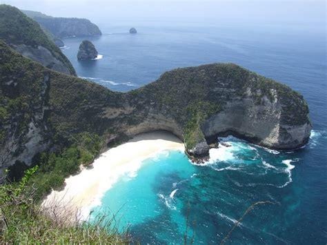 untouched islands  bali     breath