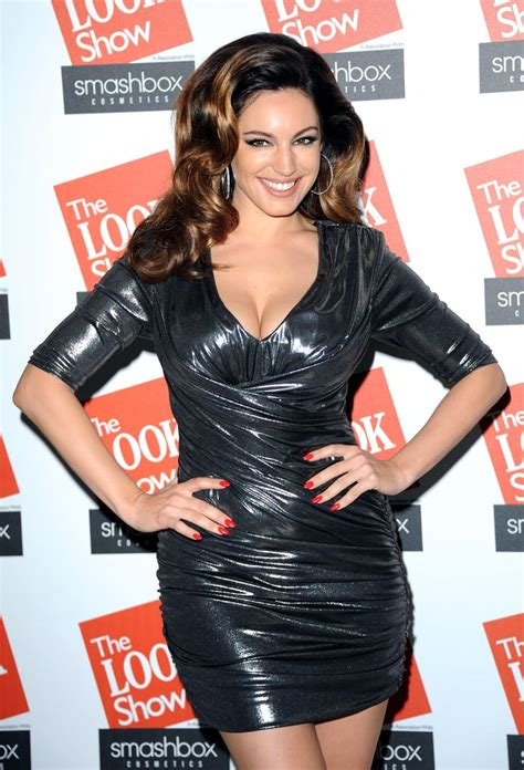 October 2012 | Kelly Brook Best Cleavage Pictures ...