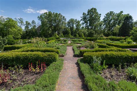 Herb Knot Garden - Weddings | Matthaei Botanical Gardens ...
