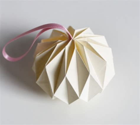 diy guirlande origami et id 233 es de d 233 coration de sapin clem around the corner
