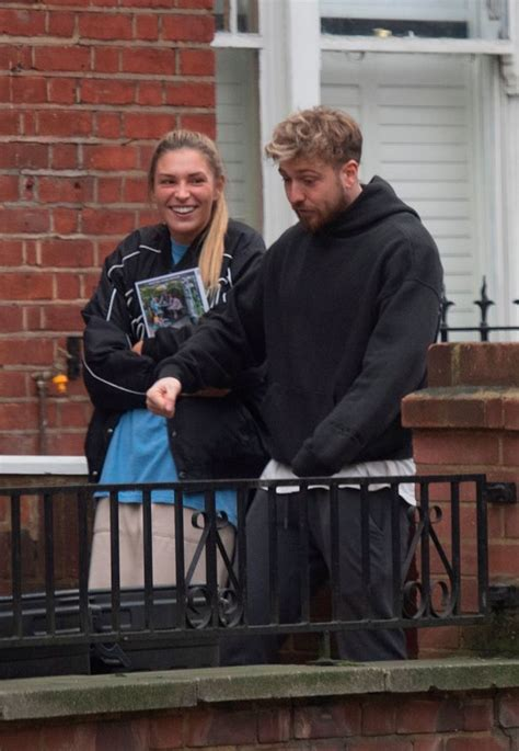 Who did zara cheat on sam with? Zara McDermott 'stays the night' at Sam Thompson's flat ...