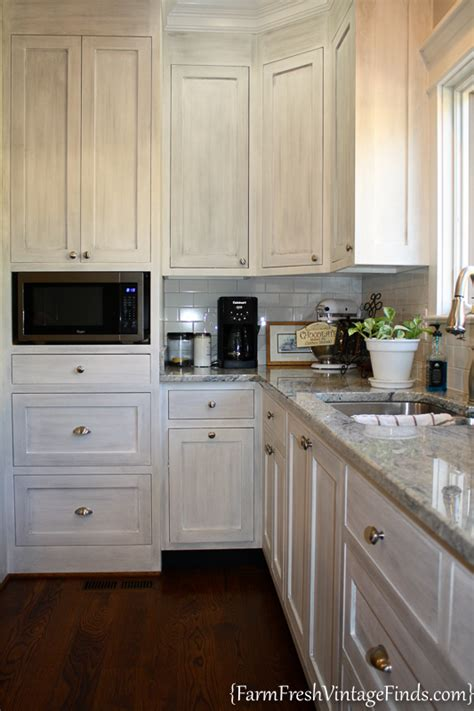 waxing kitchen cabinets house beautiful inspired painted kitchen cabinets farm 3366