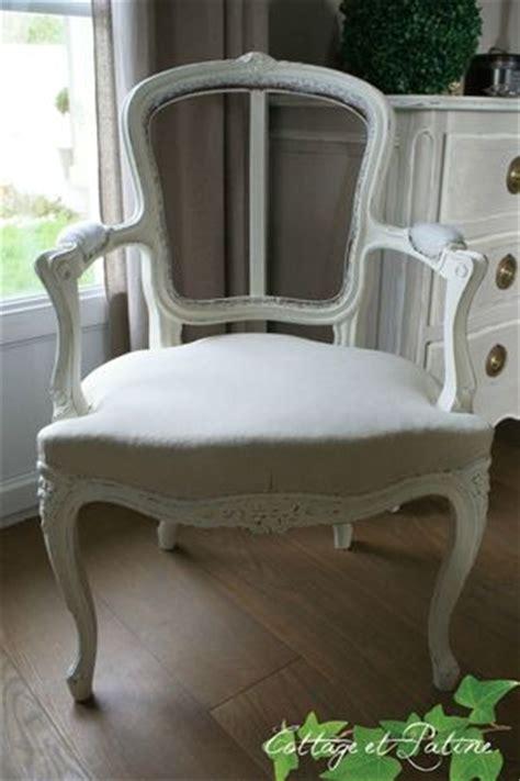 comment retapisser un fauteuil louis xv relooking fauteuil louis xv quot avant apr 232 s quot cottage et patine le