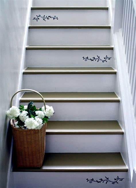 Decorating Ideas Leftover Wallpaper Border by The Staircase Decorating Ideas With Paint Leftover