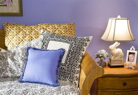 Home Decor Pillows : Use Decorative Pillows To Beautify Your Home Decor