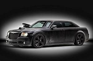 Chrysler 300 C : this srt8 2006 chrysler 300c isn t just a reboot of mad max s interceptor it s a daily driver ~ Medecine-chirurgie-esthetiques.com Avis de Voitures