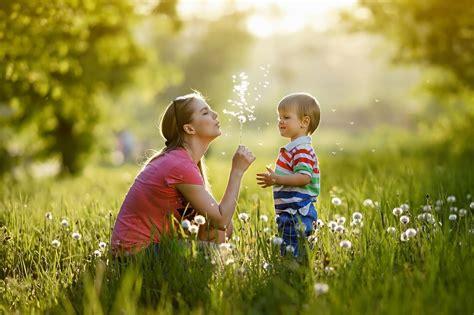 Ko vajadzētu darīt kopā ar bērnu, lai viņa atmiņas par bērnību būtu spilgtas un laimīgas?