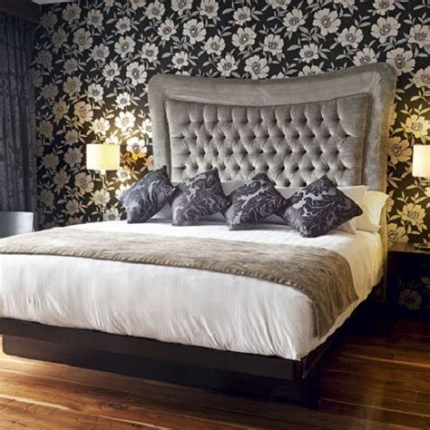 Fur Wallpaper For Bedrooms by 17 Ideas About Contemporary Bedroom Designs On