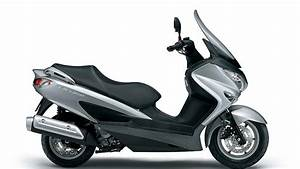 Scooter 125 Burgman : suzuki shows 2014 burgman 125 and 200 scooters autoevolution ~ Gottalentnigeria.com Avis de Voitures