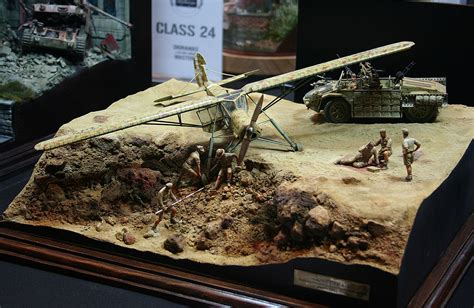 unbelievable realistically depicted scale models